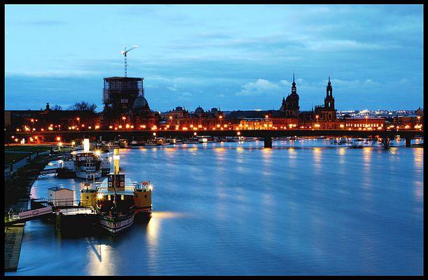 Dresden kurz vor dem Sonnenaufgang