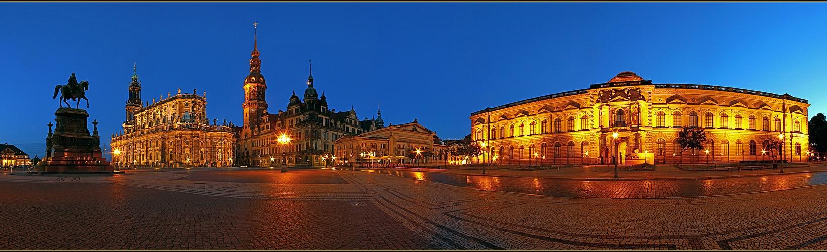 Dresden @ Night