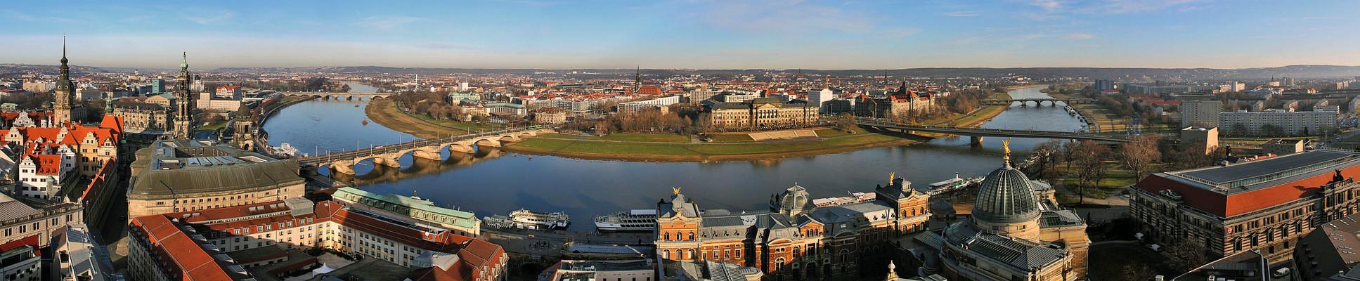 Dresdenblick von der Frauenkirche mit sphärischer Projektion gestitcht und ...