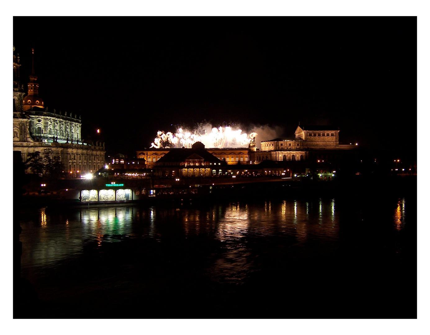Dresdener Lichter: Feuerwerk im Zwinger