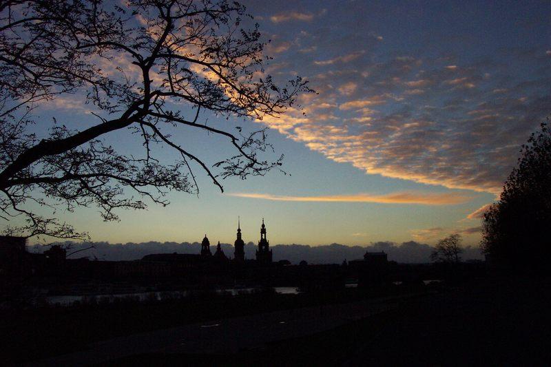 Dresden's 'Skyline' am Abend