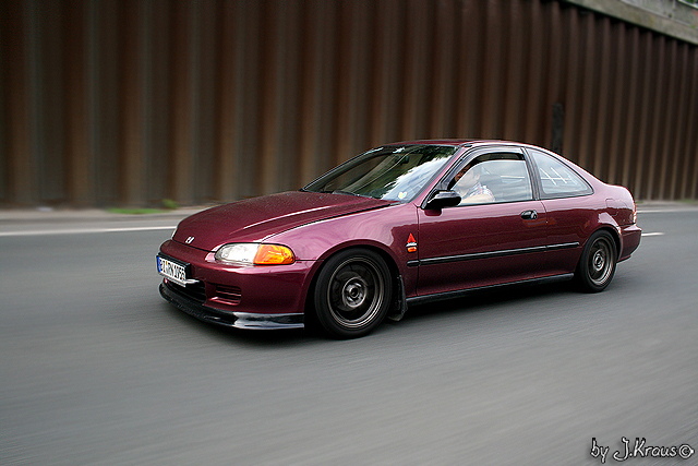 Drive by Honda Civic Coupé