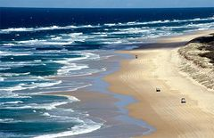 Driving on the beach - Fraser Island