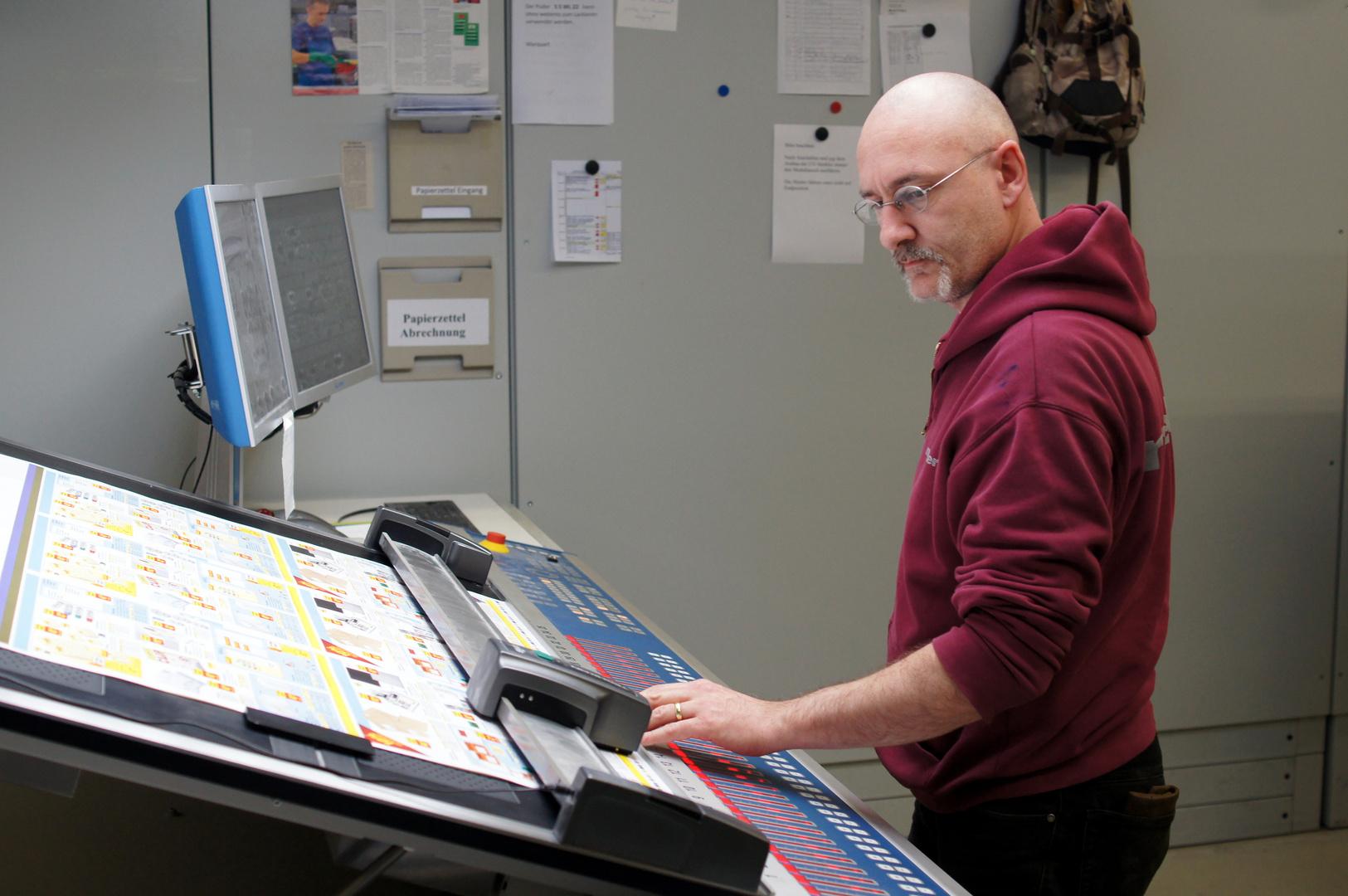 Drucker am Farbsteuerpult