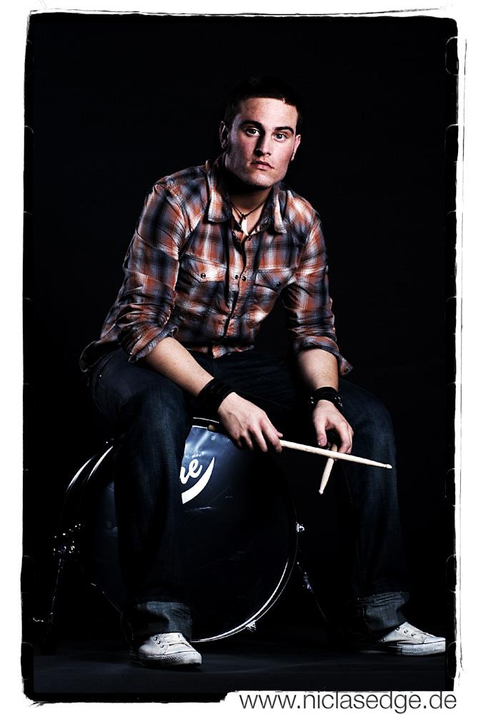  __Drummer__ 