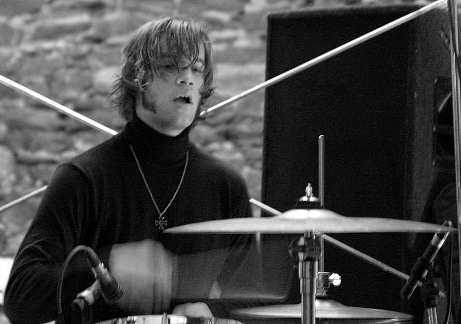 [ drummer ] gr-op