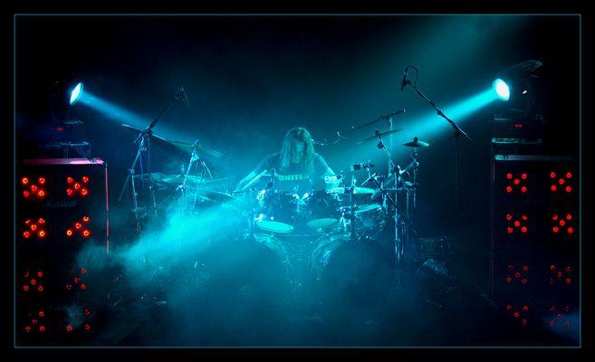 drumming ...