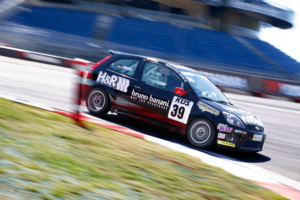 DTC des DMSB - ADAC Procar - Kai Jordan in der ersten Kurve am Nürburgring 2013