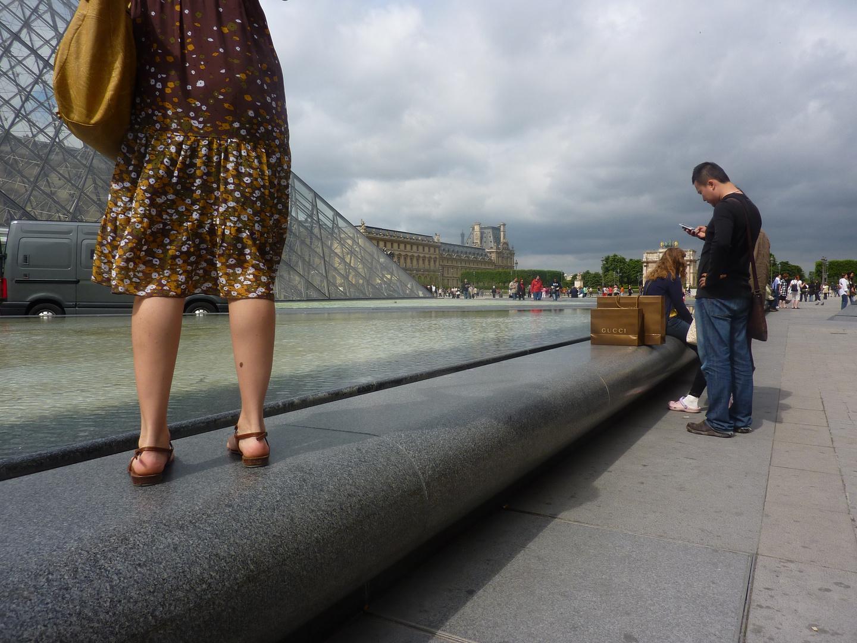 du côté de la pyramide