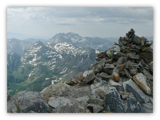 Du sommet du Pic de Campbieil, alt.3173m.