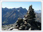 Du sommet du Piméné alt.2801m, vue sur La Tour ,Le Casque, La Brèche, la Fausse Brèche, Le Taillon