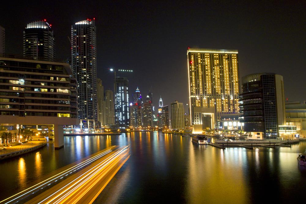 Dubai/*