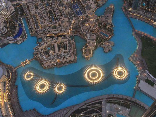 Dubai Fontänen am Abend