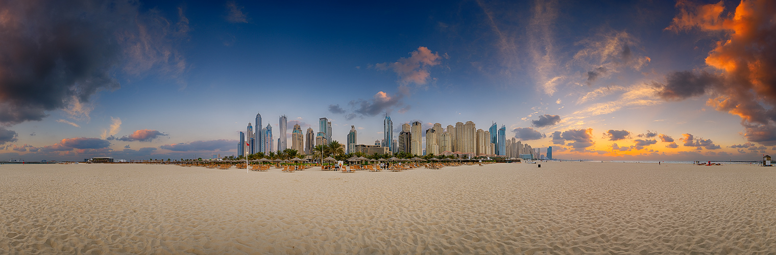 ... Dubai Marina Beach ...