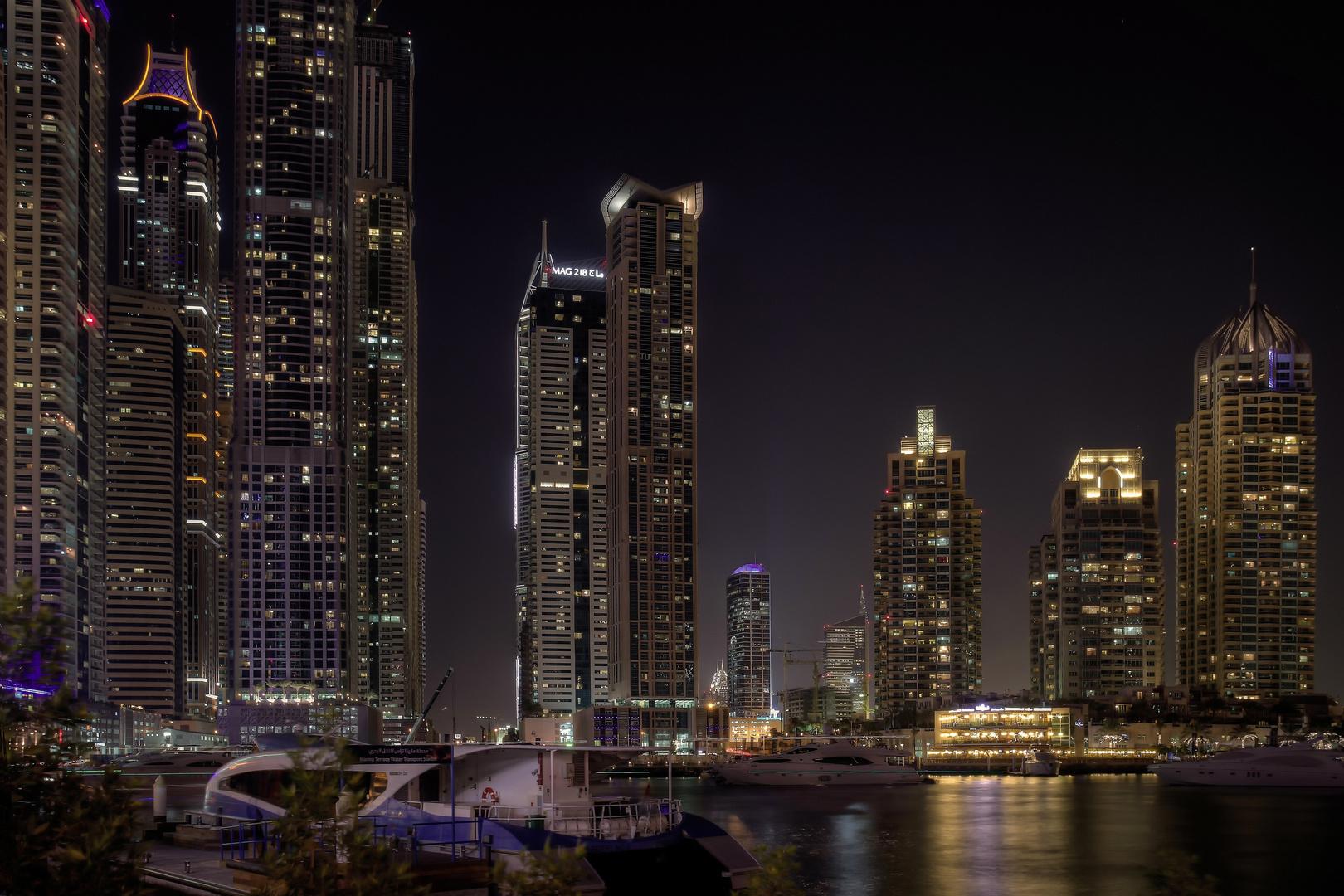 Dubai Marina nachts