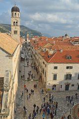 Dubrovnik 2015 an der Mauer entlang