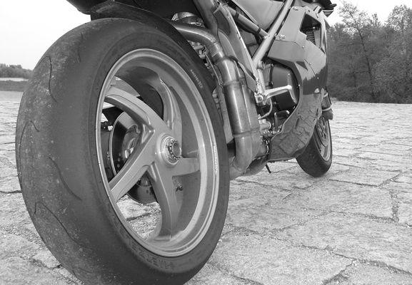 DUCATI 996 ... feierabend ...