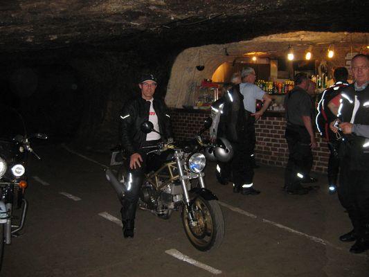Ducati Höhlen Monster