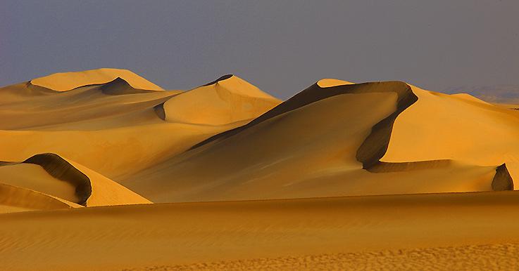 Dünenkämme im Grossen Sandmeer