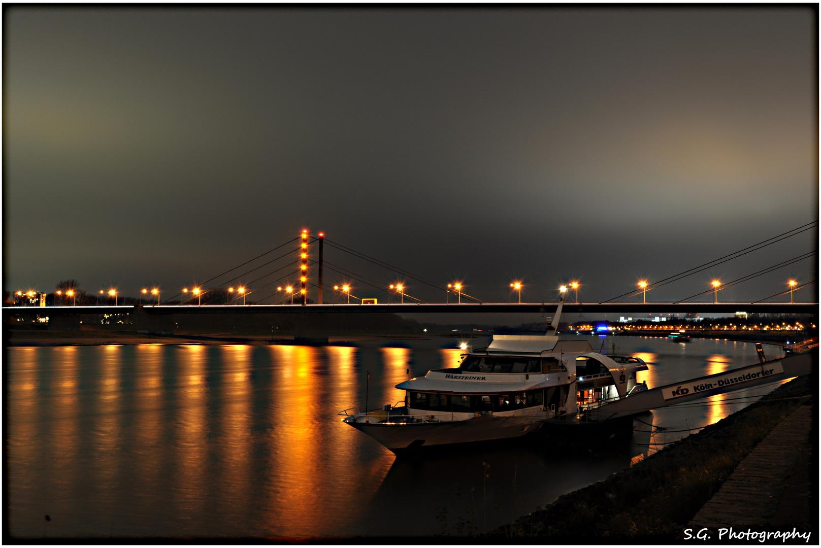 Düsseldorf bei Nacht 156