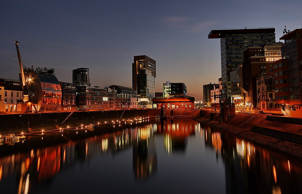 Düsseldorf bei Nacht