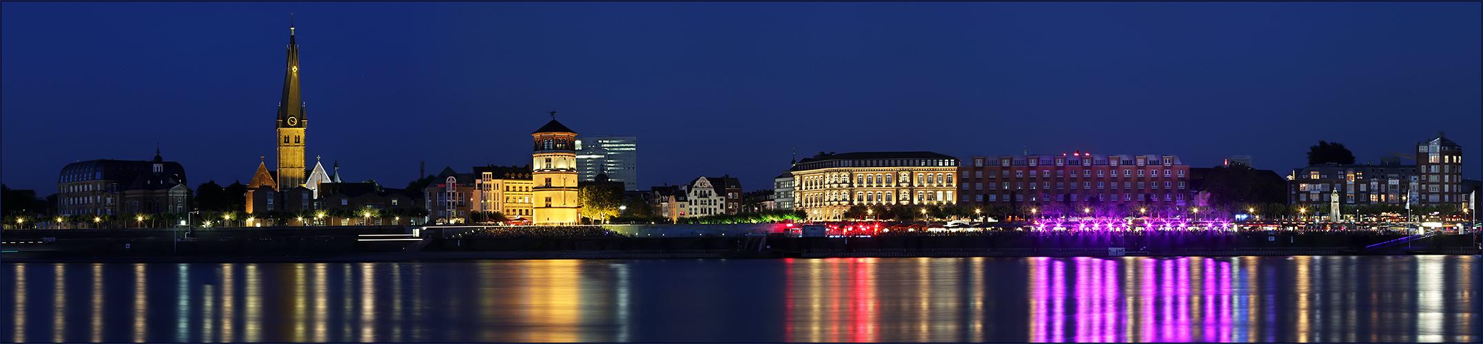 Düsseldorf bei Nacht...