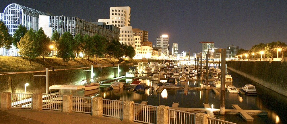 Düsseldorf bei Nacht I