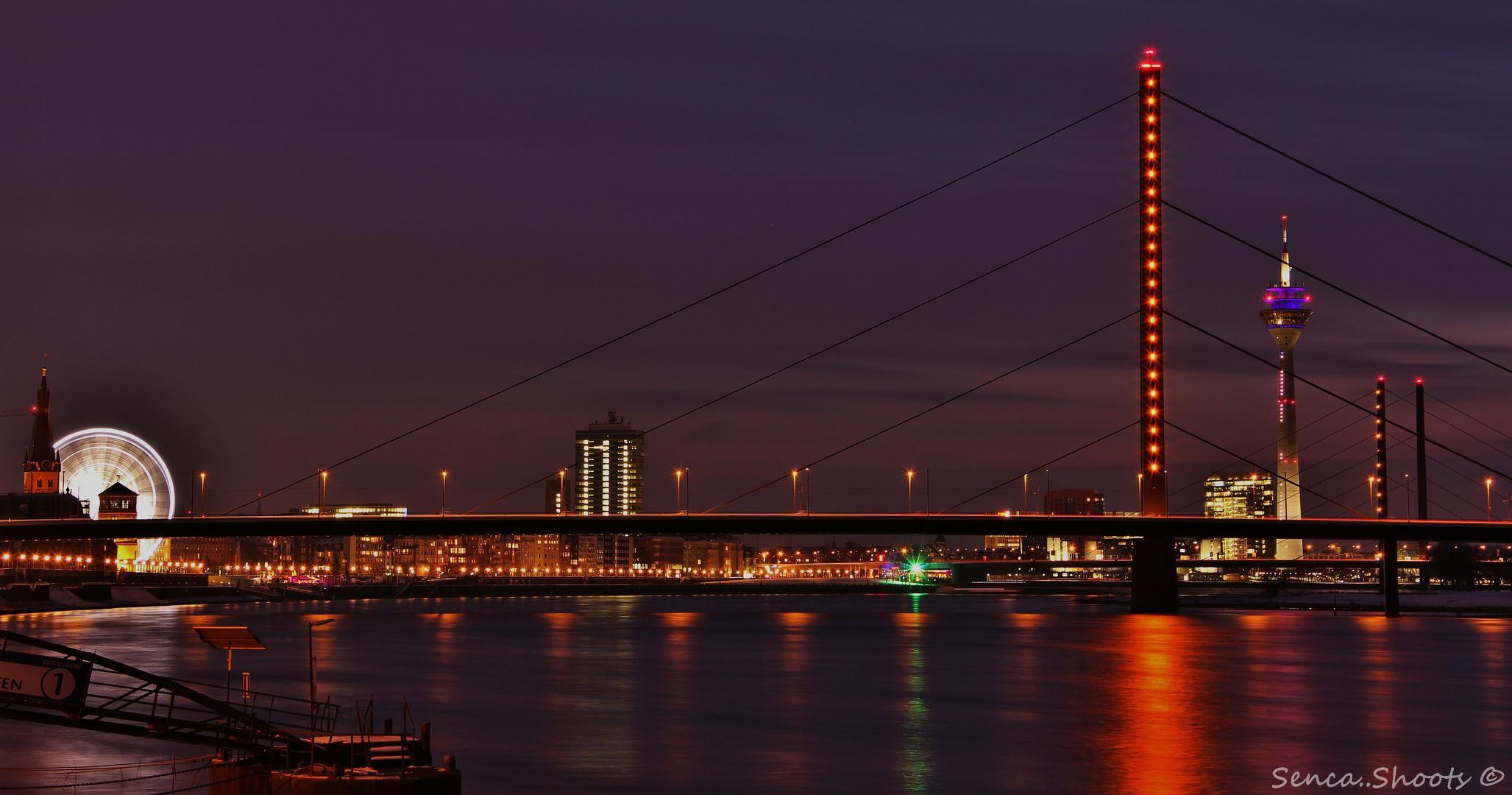 Düsseldorf bei Nacht II