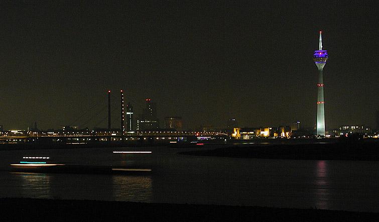 Düsseldorf bei Nacht IV