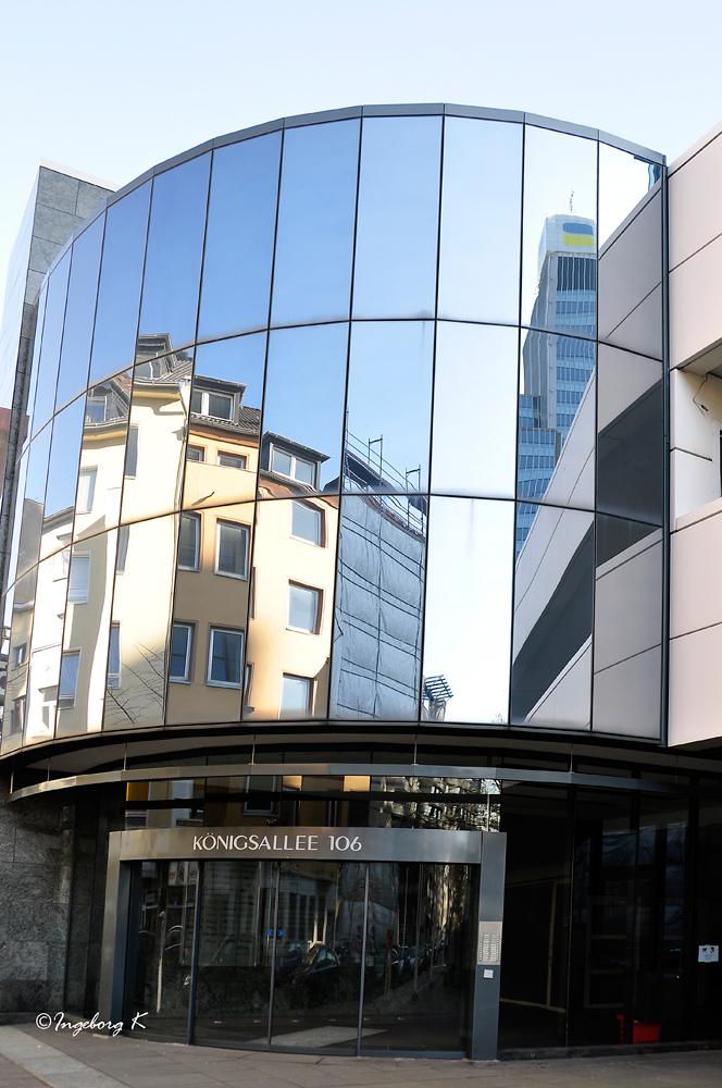 Düsseldorf - Friedrichstadt - moderne Büroarchitektur an der Königsallee