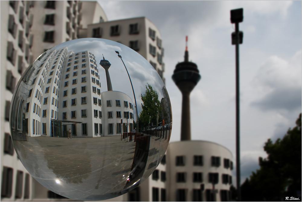 Düsseldorf gekugelt