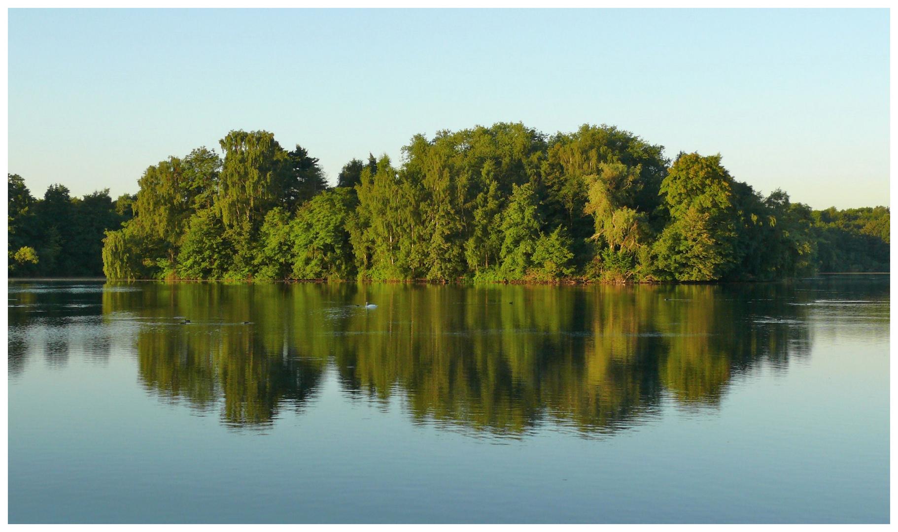 Düsseldorf / Grüne Insel im Unterbacher See