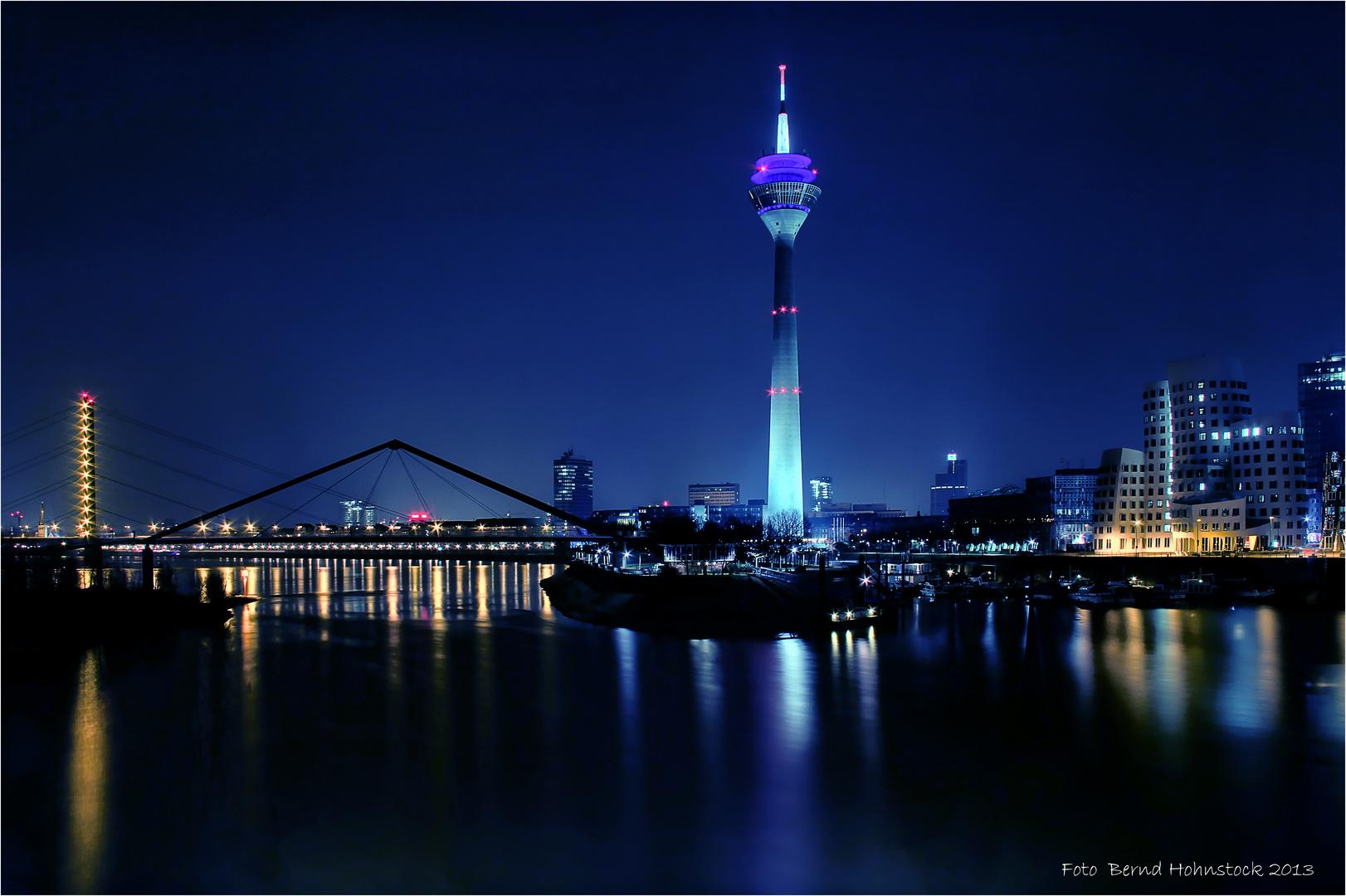 Düsseldorf Medienhafen ... Fernmeldeturm ...