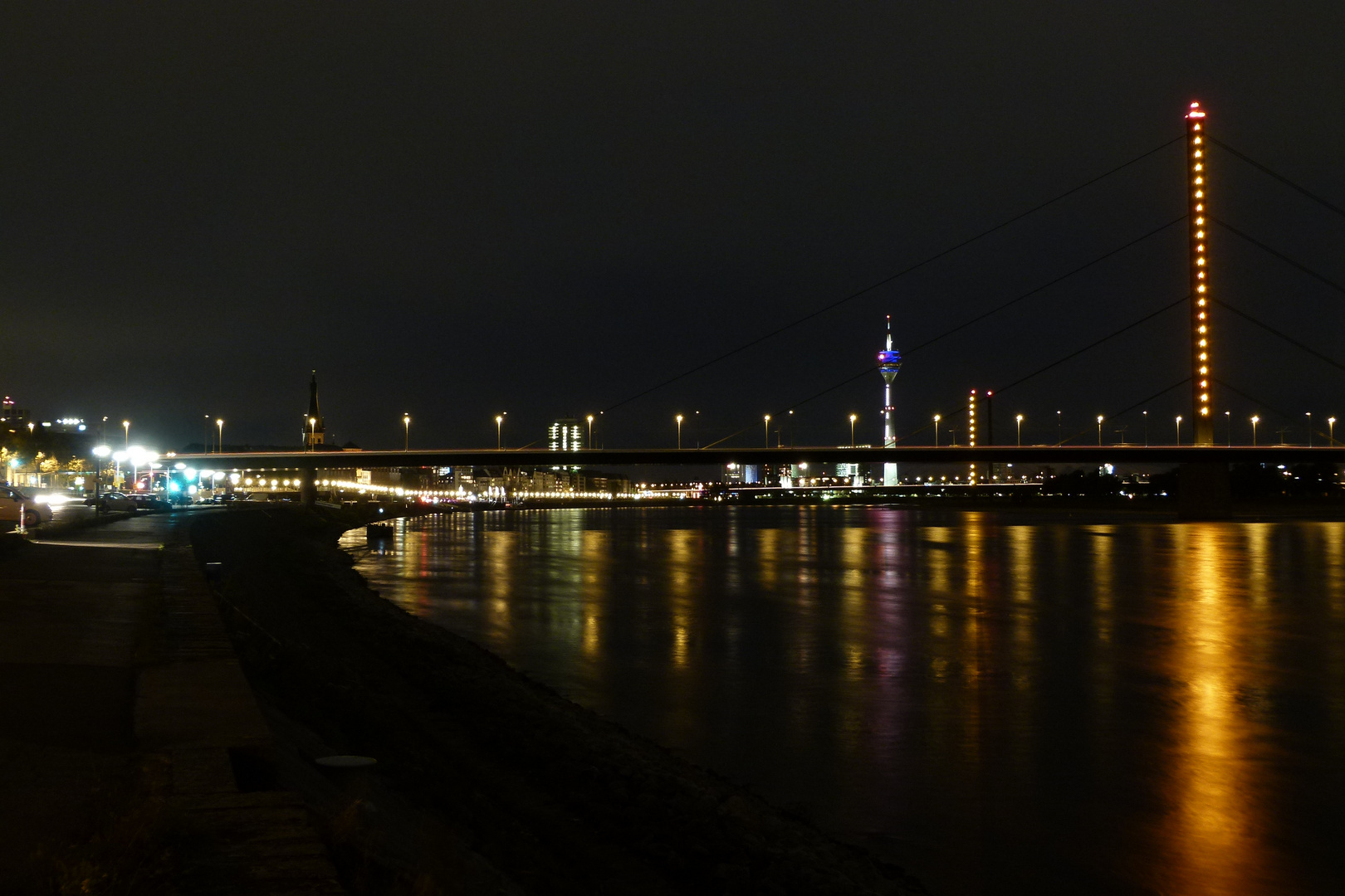 Düsseldorf - Oberkasseler Brücke 2013