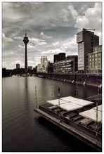 ... Düsseldorf-Standard (2) ...