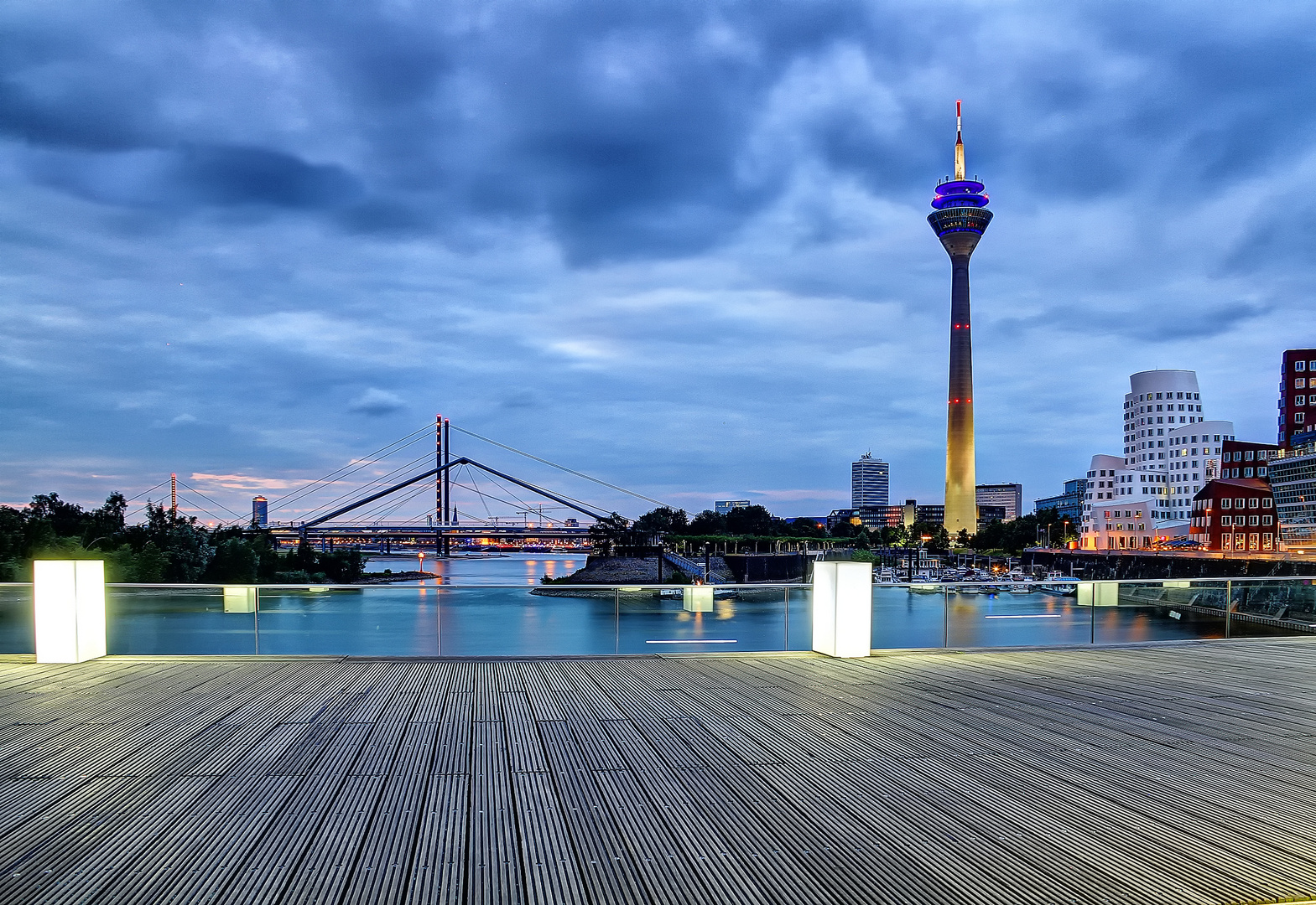 Düsseldorfer Medienhafen 3