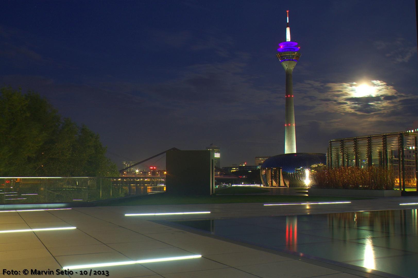 Düsseldorfer Medienhafen + Rheinturm