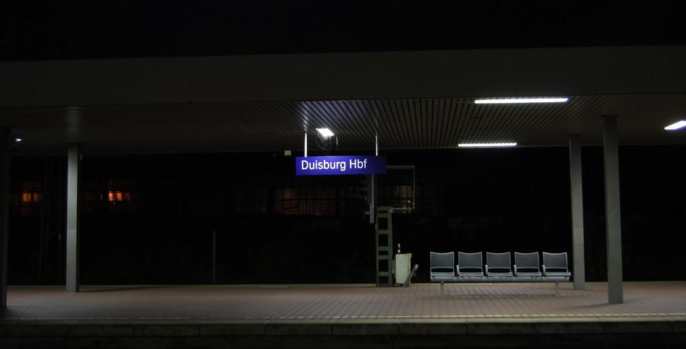 Duisburg Hauptbahnhof - der Zug ist abgefahren