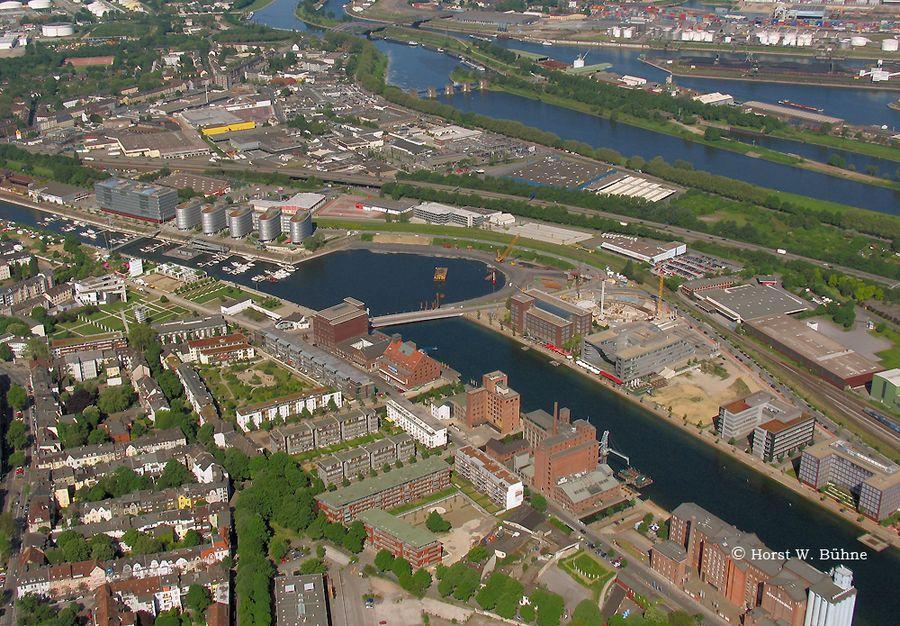 Duisburg Innenhafen, Blick von SW