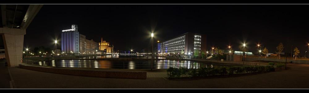 Duisburg Innenhafen Panorama