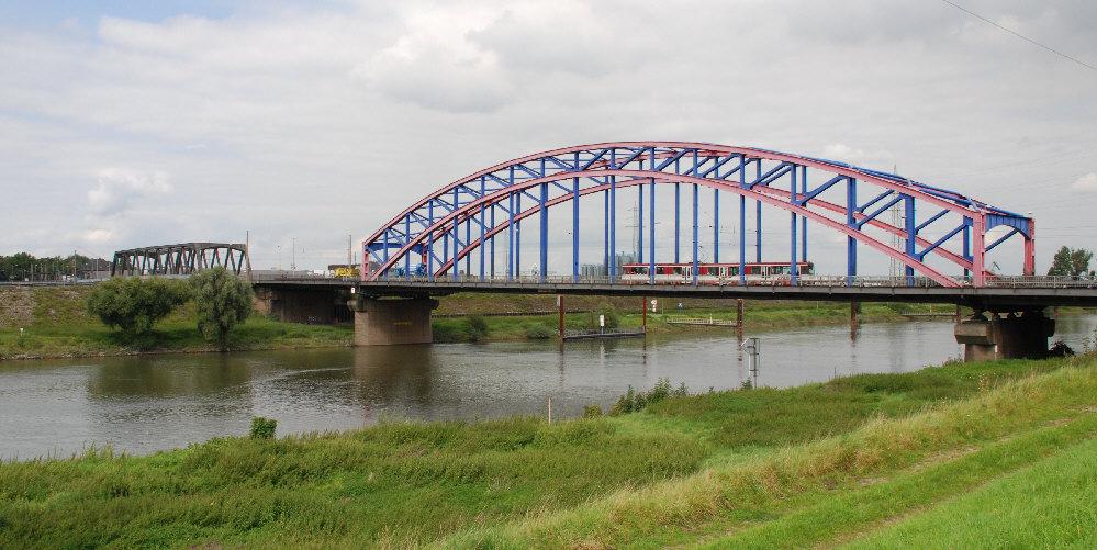 Duisburg, Karl-Lehr-Brückenzug