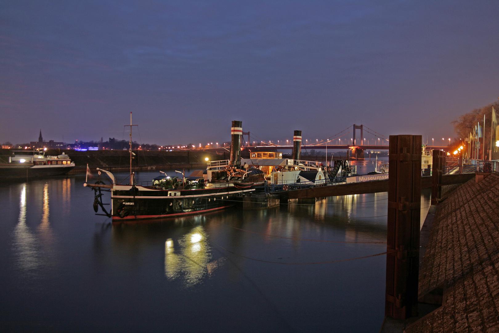 Duisburg Ruhrort am Abend