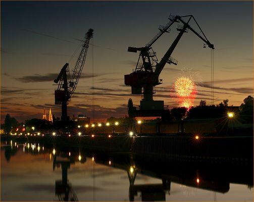 Dult Feuerwerk vom Westhafen aus... -Reload-