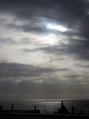 Dunkel war's, der Mond schien helle....