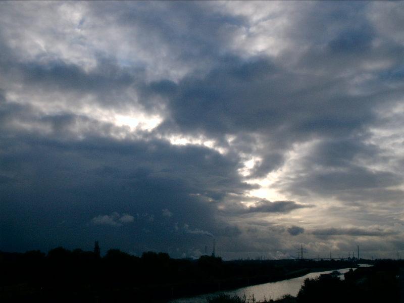 Dunkel war`s, die Wolken schienen helle...