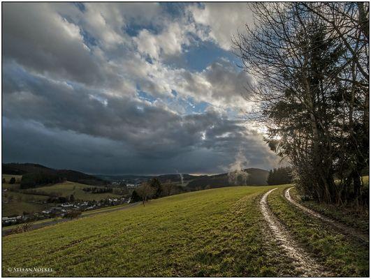 Dunkle Wolken über Berleburg
