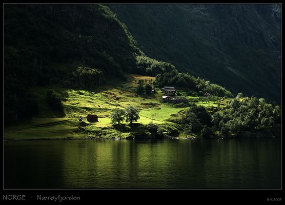 Dunkler Nærøyfjord
