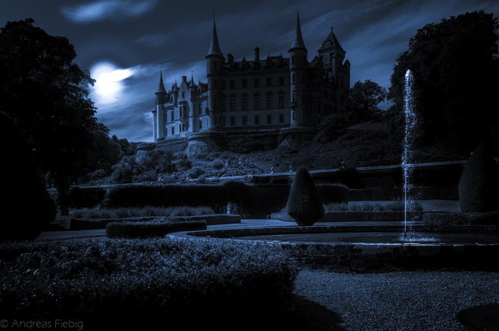 Dunrobin Castle @ Night