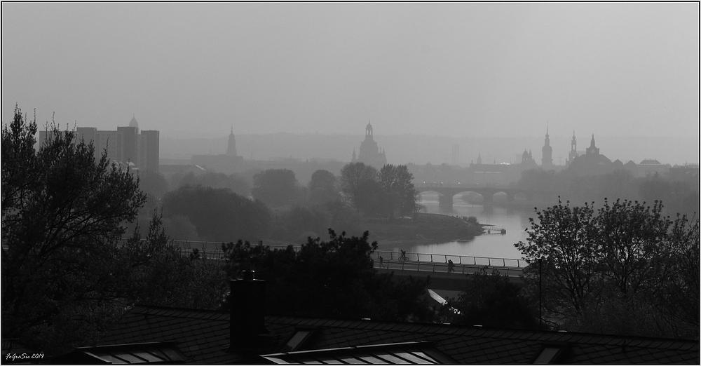 Dunst über Dresden ...