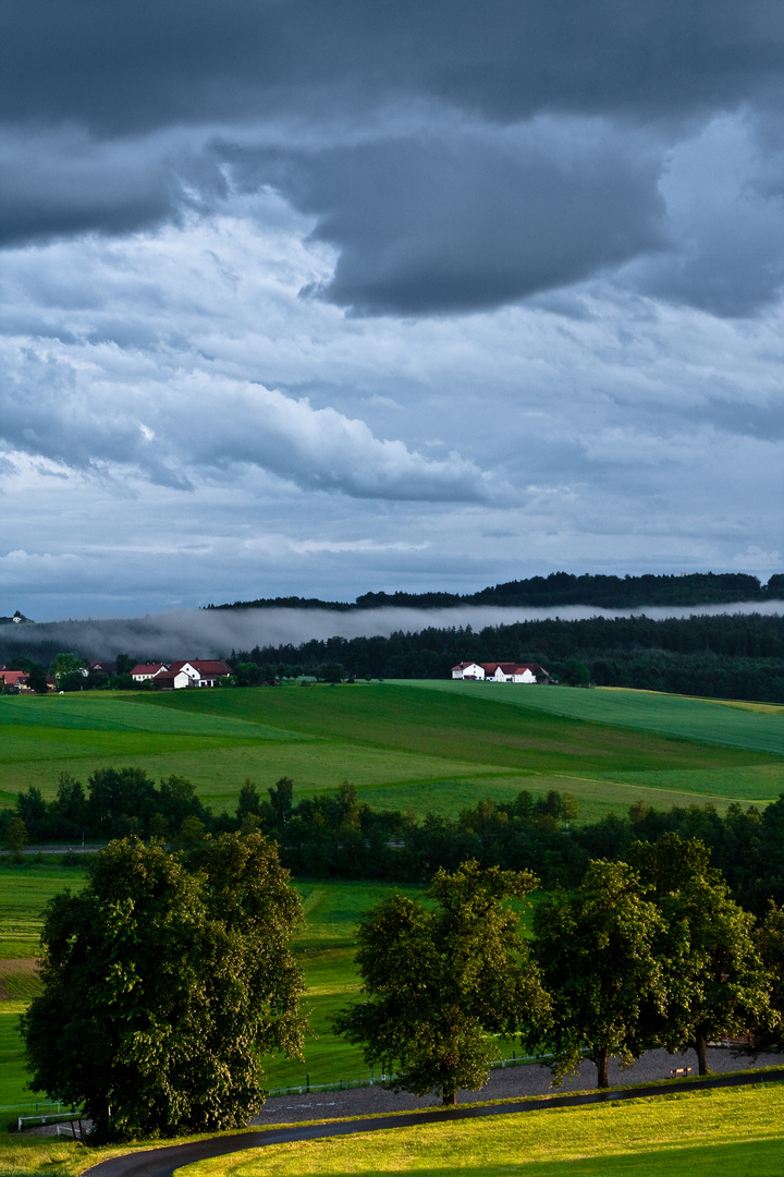 Dunst und Wolken